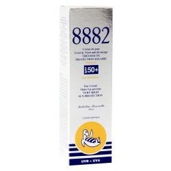 8882 Fond de Teint Anti-bronzage Très Haute Protection SPF 50+ Lotus