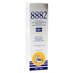 8882 Fond de Teint Anti-bronzage Très Haute Protection SPF 50+ Opale